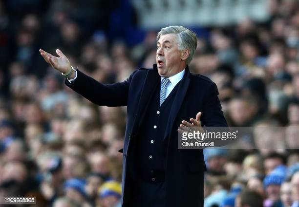 Carlo Ancelotti Manager of Everton gives his players instructions during the Premier League match between Everton FC and Manchester United at...