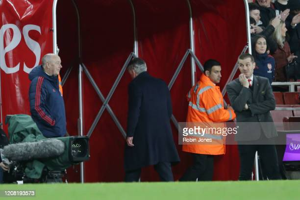 Carlo Ancelotti of Everton went straight down the tunnel after his sides 32 defeat during the Premier League match between Arsenal FC and Everton FC...