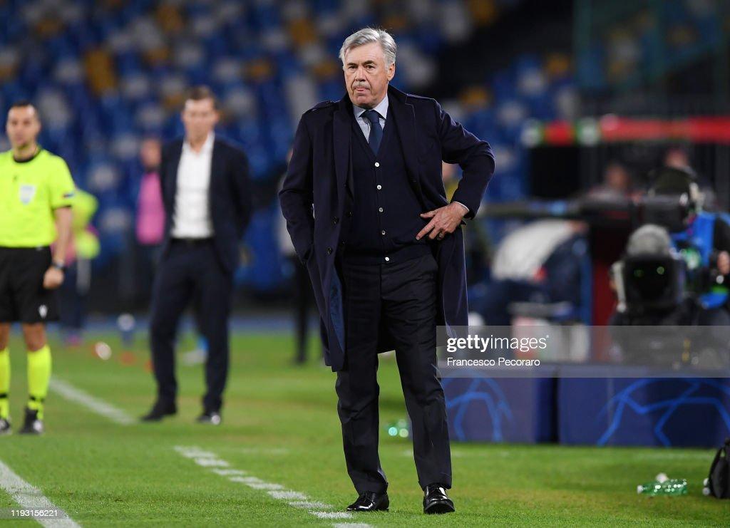 SSC Napoli v KRC Genk: Group E - UEFA Champions League : ニュース写真