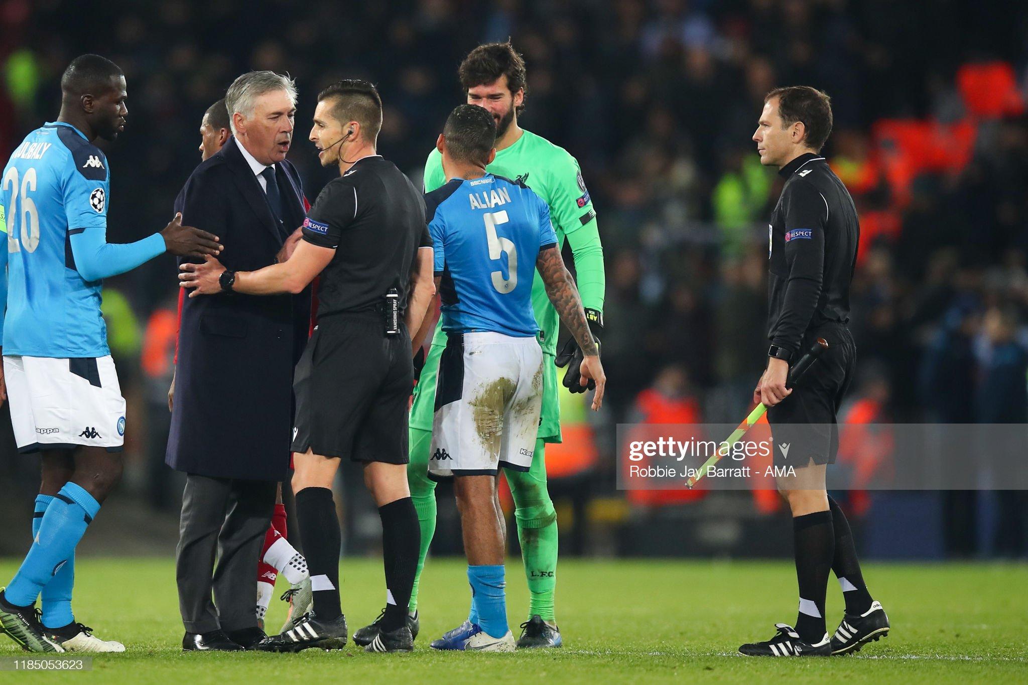 ¿Cuánto mide el árbitro Del Cerro Grande? - Altura Carlo-ancelotti-the-head-coach-manager-of-napoli-talking-to-match-picture-id1185053623?s=2048x2048