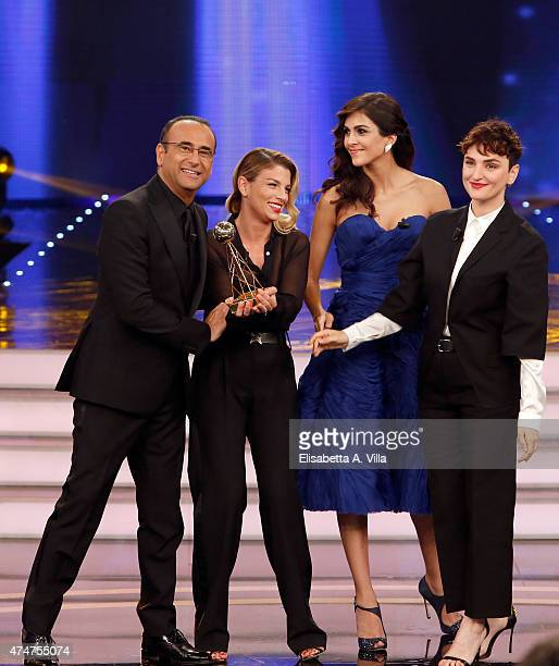 Carlo Conti Emma Marrone Rocio Munoz Morales and Arisa receive the award for 'Sanremo' during the the PREMIO TV 2015 Awards at RAI Dear Studios on...