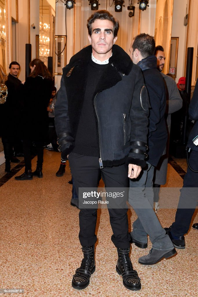 Carlo Sestini attends the Versace show during Milan Men's Fashion Week Fall/Winter 2018/19 on January 13, 2018 in Milan, Italy.