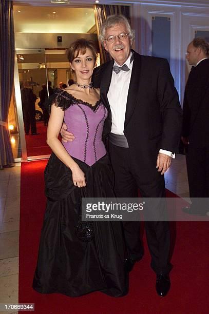 Carlo Von Tiedemann + Freundin Julia Laubrunn Beim Presseball In Hamburg 260102