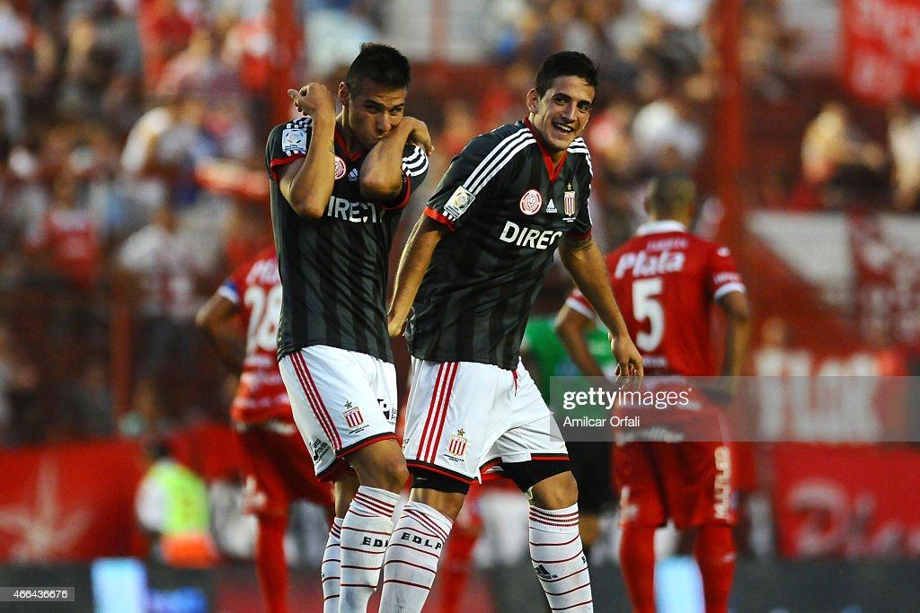 Argentinos Juniors v Estudiantes - Torneo Primera Division 2015 : News Photo