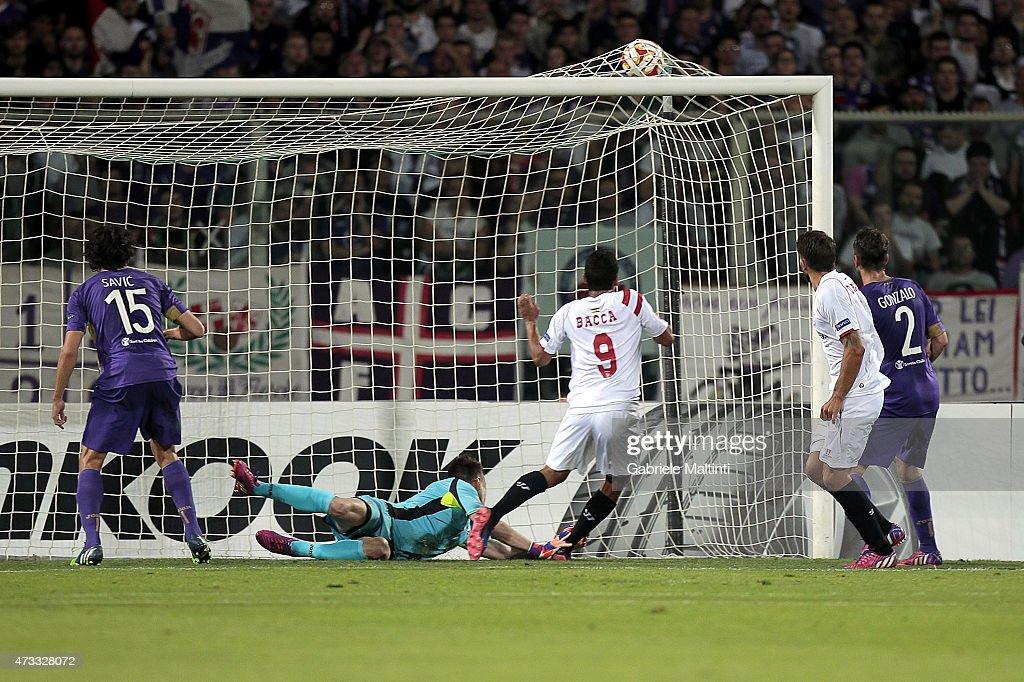 ACF Fiorentina v FC Sevilla - UEFA Europa League: Semi Final : News Photo