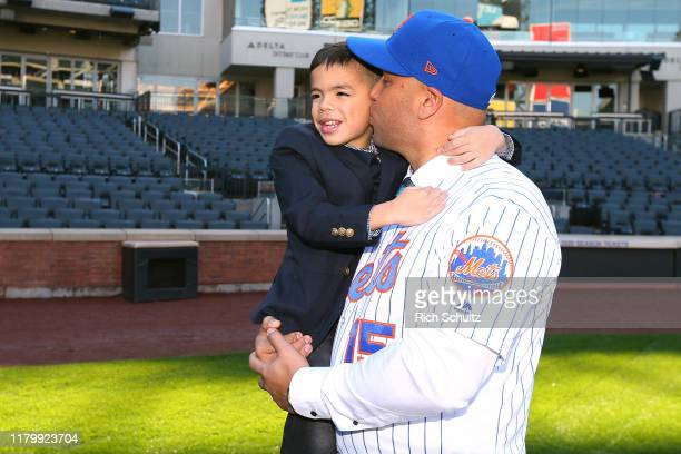 World S Best Carlos Beltran Stock Pictures Photos And