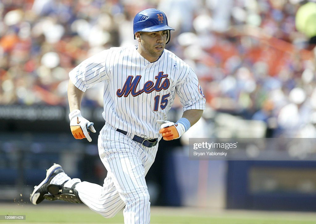 Baltimore Orioles vs New York Mets - June 18, 2006 : News Photo