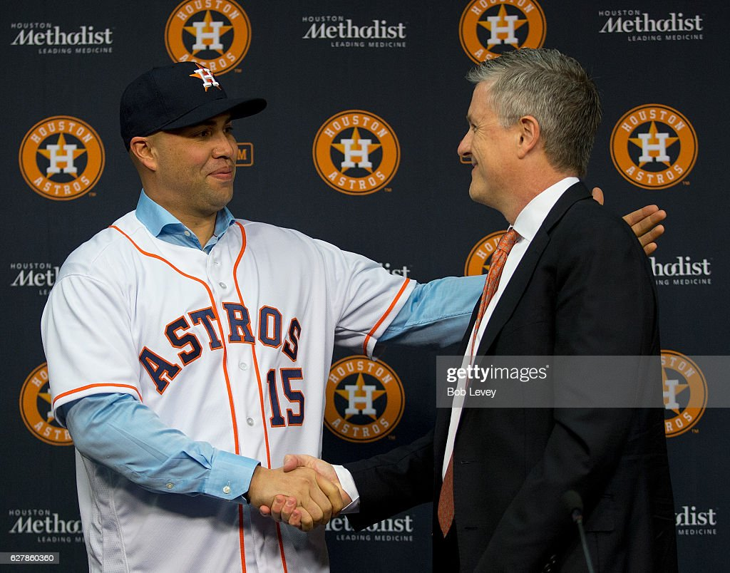 Carlos Beltran Shakes Hands With Houston Astros General