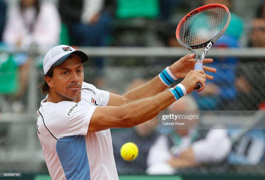 Argentina v Italy - Davis Cup 2017 Day 3 : News Photo