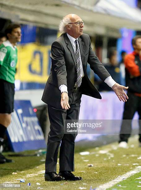 Carlos Bianchi coach of Boca Juniors during a match between Boca Juniors and Colon as part of the 13th round of the Torneo Inicial 2013 at Alberto J...