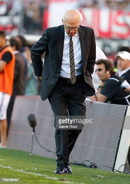Carlos Bianchi coach of Boca Juniors during a match between River Plate and Boca Juniors as part of the Torneo Inicial 2013 at the Antonio Vespusio...