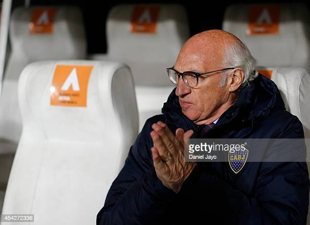 Carlos Bianchi coach of Boca Juniors looks on before a match between Estudiantes and Boca Juniors as part of forth round of Torneo de Transicion 2014...