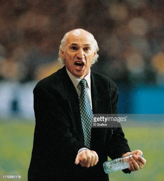 Carlos Bianchi of Boca Juniors gestures during the second leg final match between Boca Juniors and Cruz Azul as part of Copa Libertadores 2001 at...
