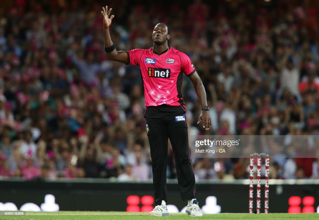 Carlos Brathwaite of the Sixers celebrates taking the wicket of Yasir Shah of the Heat during the Big Bash League match between the Sydney Sixers and the Brisbane Heat at Sydney Cricket Ground on January 18, 2018 in Sydney, Australia.