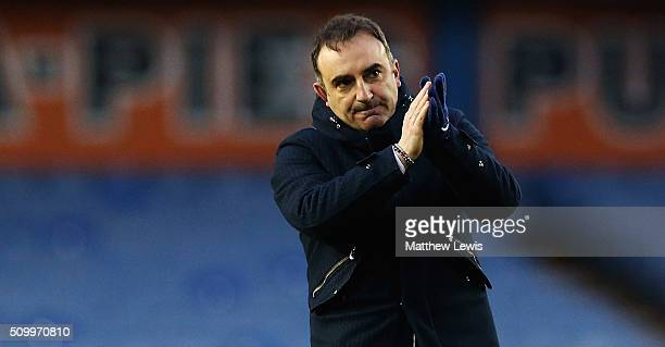 Carlos Carvalhal manager of Sheffield Wednesday applauds the supporters after the Sky Bet Championship match between Sheffield Wednesday and...