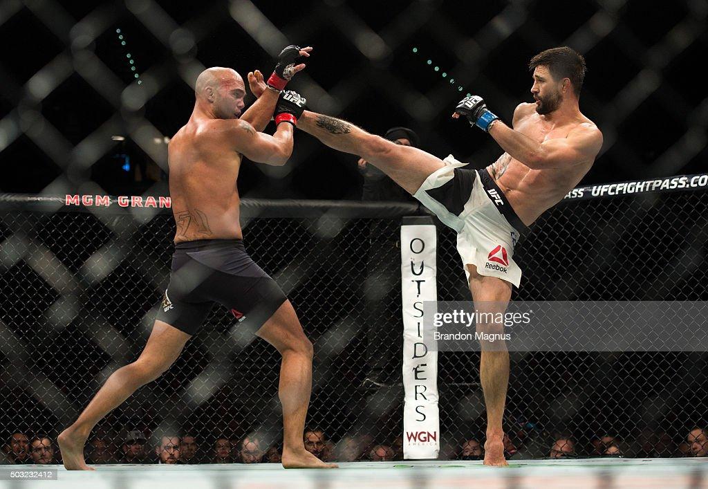 UFC 195: Lawler v Condit : News Photo
