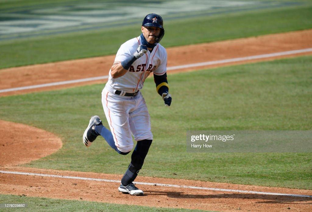 Division Series - Oakland Athletics v Houston Astros - Game Four : News Photo