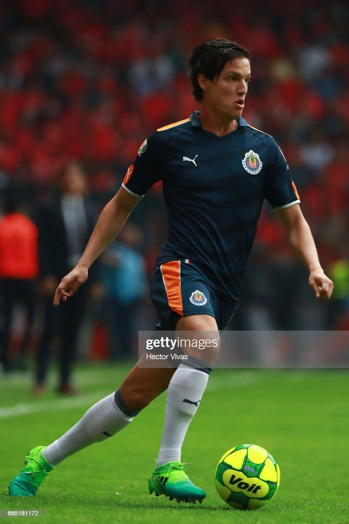 Carlos Fierro of Chivas drives the ball during the semifinals first leg match between Toluca and Chivas as part of the Torneo Clausura 2017 Liga MX at Nemesio Diez Stadium on May 18, 2017 in Toluca, Mexico.
