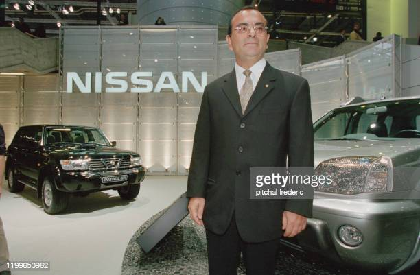 Carlos Ghosn au salon de l'automobile à Genève