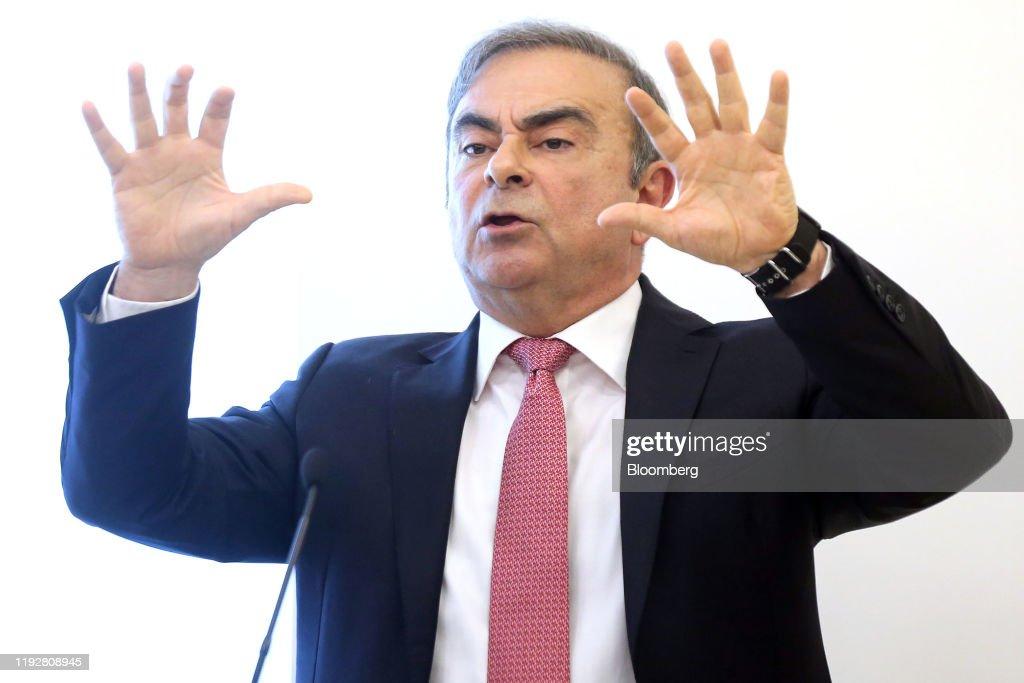 Former Auto Titan Carlos Ghosn Addresses Media After Escaping Japan : ニュース写真