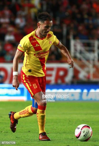 Carlos Guzman of Morelia drives the ball during the 17nd round match between Necaxa and Morelia as part of the Torneo Apertura 2017 Liga MX at...