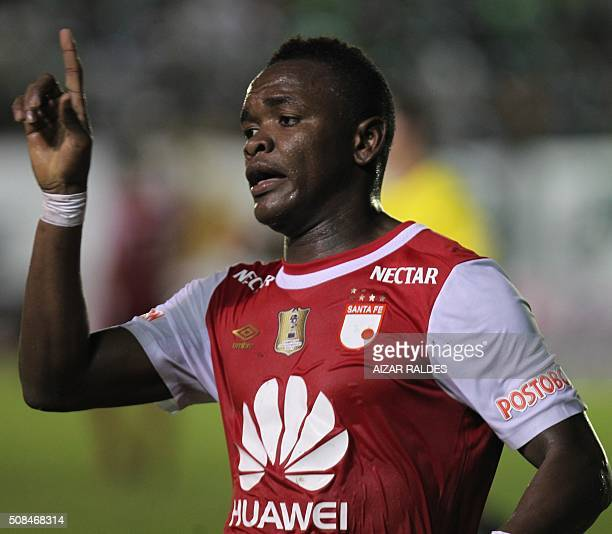Carlos Ibarguen of Colombian team Independiente Santa Fe celebrates after scoring against Bolivia's Oriente Petrolero during their Libertadores Cup...