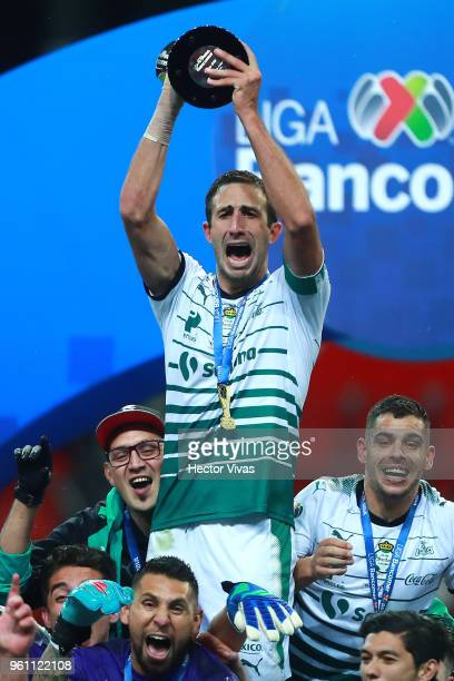 Carlos Izquierdoz of Santos Laguna celebrates with the Championship Trophy after the Final second leg match between Toluca and Santos Laguna as part...