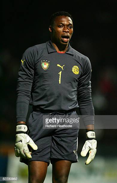 Carlos Kameni of Cameroon in action during the international friendly match between Cameroon and Senegal held at Stade Dominique Duvauchelle on...
