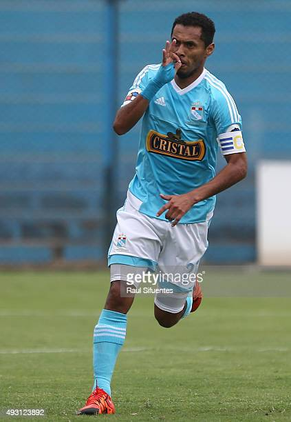 Carlos Lobaton of Sporting Cristal celebrates after scoring the first goal of his team against Deportivo Municipal during a match between Sporting...
