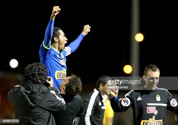 Carlos Lobaton of Sporting Cristal celebrates the second and winning goal of his team against Sport Huancayo during a match between Sport Huancayo...