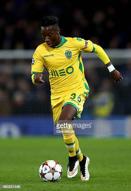 Carlos Mane of Sporting Lisbon runs with the ball during the UEFA Champions League group G match between Chelsea and Sporting Clube de Portugal at...