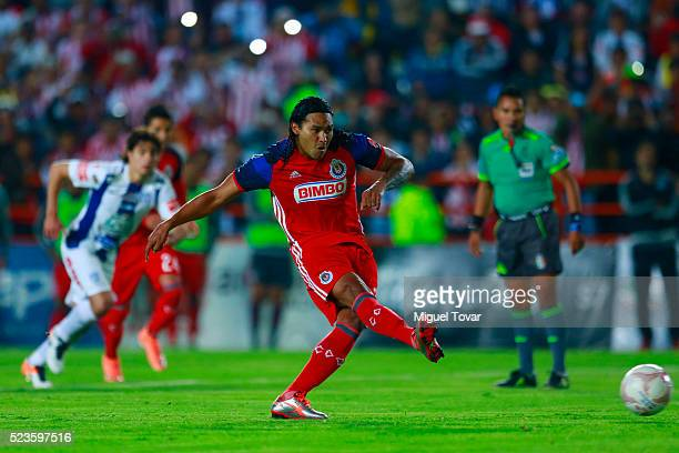 Carlos Pen–a of Chivas kicks a penalty to score during the 15th round match between Pachuca and Chivas as part of the Clausura 2016 Liga MX at...