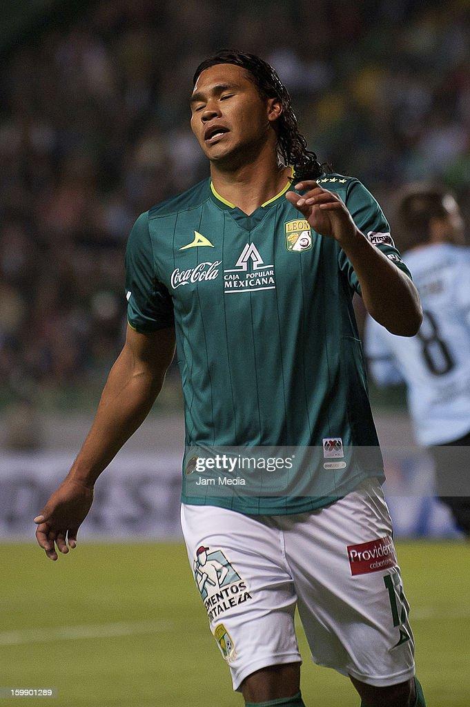 Leon v Deportes Iquique - Copa Bridgestone Libertadores 2013