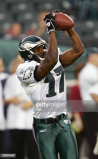 Carlos Perez of the Philadelphia Eagles makes a catch during the preseason game with the Cincinnati Bengals on August 26 2005 at Lincoln Financial...