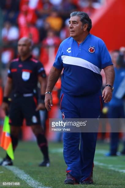 Carlos Reinoso coach of Veracruz looks on during the 6th round match between Toluca and Veracruz as part of the Torneo Clausura 2017 Liga MX at...