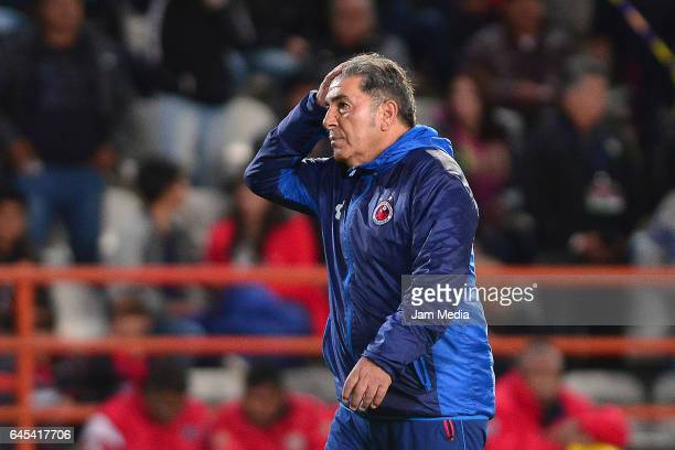 Carlos Reinoso coach of Veracruz reacts at the end of the 8th round match between Pachuca and Veracruz as part of ther Torneo Clausura 2017 Liga MX...