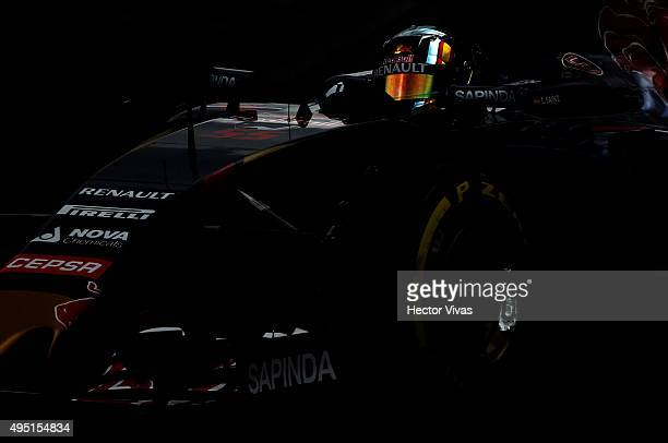 Carlos Sainz of Spain and Toro Rosso Renault during a qualifying session prior the Formula 1 Grand Prix of Mexico at Autodromo Hermanos Rodriguez on...