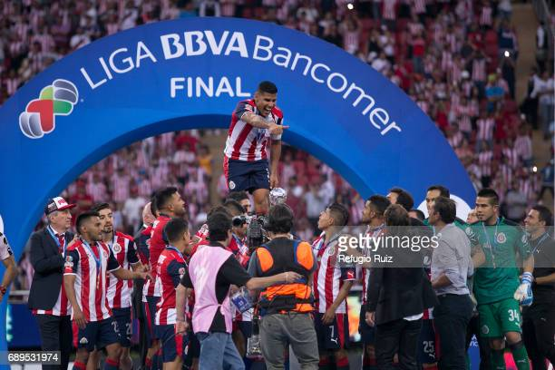 Carlos Salcido of Chivas celebrates after winning the Final second leg match between Chivas and Tigres UANL as part of the Torneo Clausura 2017 Liga...