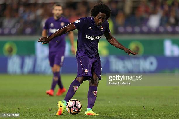 Carlos Sanchez of ACF Fiorentina in action during the Serie A match between ACF Fiorentina and AS Roma at Stadio Artemio Franchi on September 18 2016...