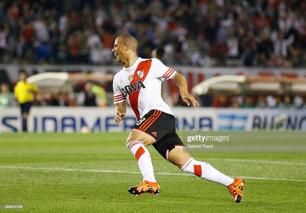 Carlos Sanchez of River Plate celebrates after scoring the opening goal during a match between River Plate and Chapecoense as part of Quarter Finals of Copa Sudamericana 2015 at Monumental Antonio Vespucio Liberti Stadium on October 21, 2015 in Buenos Aires, Argentina.