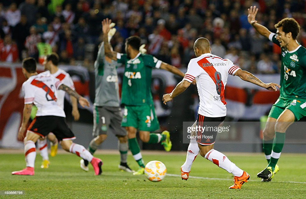 Carlos Sanchez of River Plate kicks the ball to score during a match between River Plate and Chapecoense as part of Quarter Finals of Copa Sudamericana 2015 at Monumental Antonio Vespucio Liberti Stadium on October 21, 2015 in Buenos Aires, Argentina.