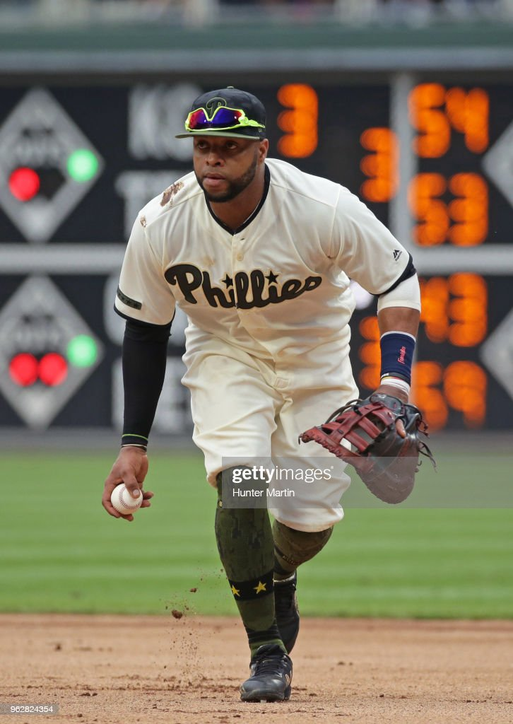 Carlos Santana #41 of the Philadelphia Phillies fields a ground ball in the second inning during a game against the Toronto Blue Jays at Citizens Bank Park on May 26, 2018 in Philadelphia, Pennsylvania. The Phillies won 2-1.