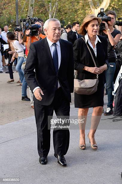 Carlos Solchaga attends Parque San Isidro Cemetery following the death of Miguel Boyer on September 29 2014 in Madrid Spain Spanish politician Miguel...