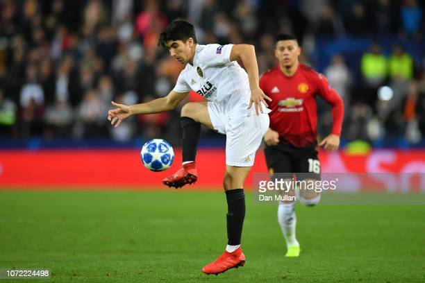 Carlos Soler of Valencia controlls the ball during the UEFA Champions League Group H match between Valencia and Manchester United at Estadio Mestalla...