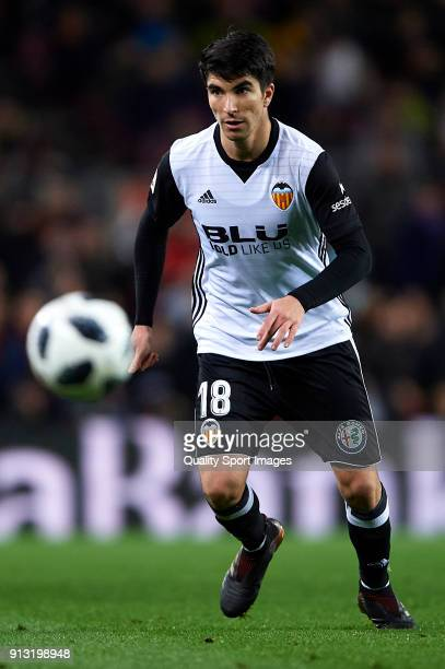 Carlos Soler of Valencia in action during the Copa del Rey semifinal first leg match between FC Barcelona and Valencia CF at Camp Nou on February 1...