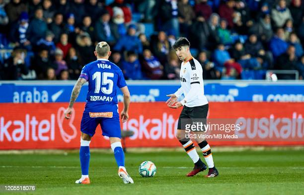 Carlos Soler of Valencia looks for and option during the Liga match between Deportivo Alaves and Valencia CF at Estadio de Mendizorroza on March 6...