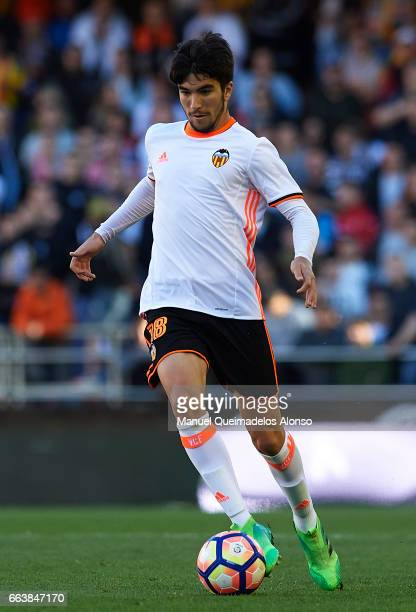 Carlos Soler of Valencia runs with the ball during the La Liga match between Valencia CF and Deportivo de La Coruna at Mestalla Stadium on April 2...