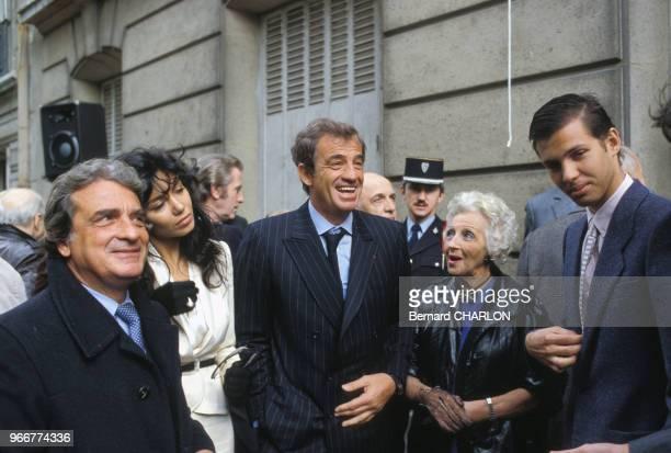 Carlos Sotto Mayor JeanPaul Belmondo et son fils paul le 16 mai 1988 à Paris France