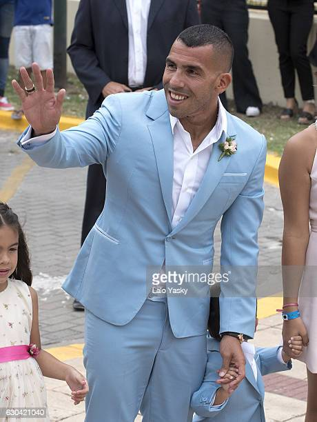 Carlos Tevez arrives to the San Isidro City Hall for his civil wedding ceremony with Vanesa Mansilla on December 22 2016 in Buenos Aires Argentina