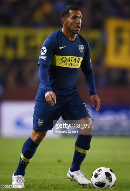 Carlos Tevez of Boca Juniors drives the ball during a match between Boca Juniors and Alvarado as part of Round of 64 of Copa Argentina 2018 on August...